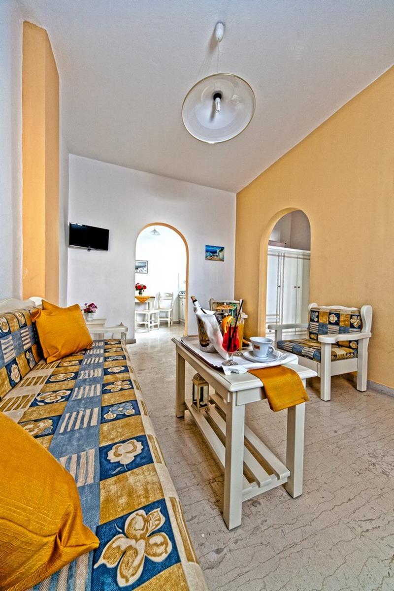 hotel in kamari santorini | Sellada Apartments